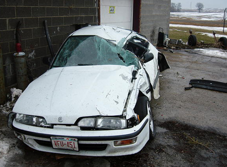 Acura on Acura Integra Bad Accident  Wisconsin Ejected Car Accidents  Acura