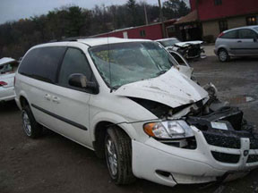 Dodge Caravan crash