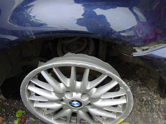 Bmw 330xi Rims. BMW alloy ruined wrecked