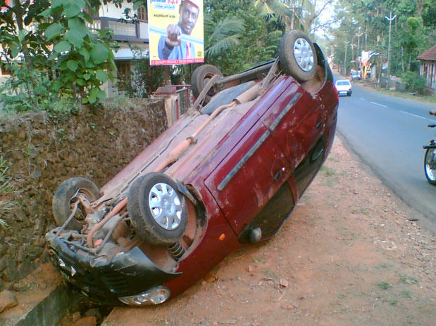 road accident in kerala Road accidents in kerala report from johnson j edayaranmula, director adic india the number of road-accident deaths in kerala state has risen steeply, with 3,066 people being killed and 51,352 injured in 41,306 accidents in 2004.
