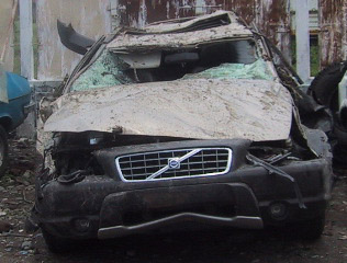 Volvo Car crash Pictures